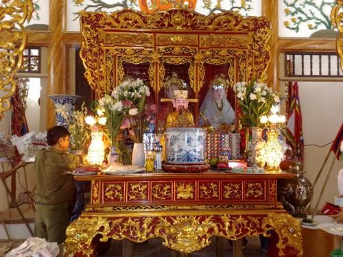 Đặt bàn thờ gia tiên sao cho hợp phong thủy?