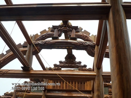 Tại sao gỗ lim được ưa chuộng trong kiến trúc nhà gỗ cổ Việt Nam