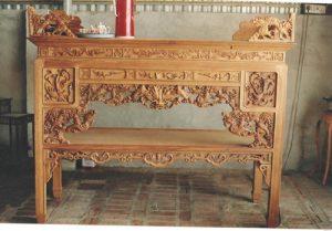 Vì sao đồ thờ cúng buộc phải dùng gỗ mít?